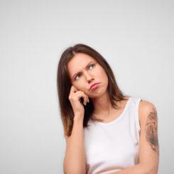 【医師が教える】安いサロンのレーザー刺青除去はお得?その秘密とは?