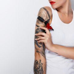 【医師が教える】自分で入れた刺青は自分で刺青除去できる?病院に行かない方法とは