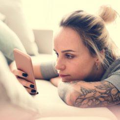【医師が教える】ブログで刺青除去のレーザー体験談をチェック!見るべきポイントは?